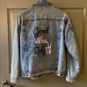 GOOD VIBES PATCH JEAN JACKET